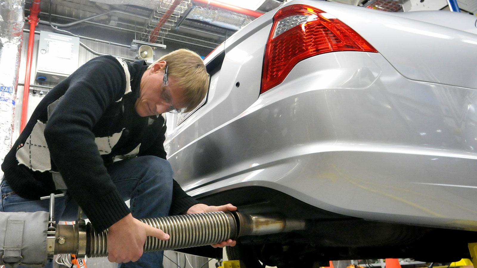 <h6 class='slideTitle'>Actions the Trump administration is taking</h6><h4 class='slideSubtitle'>Rolling back clean car standards</h4><h5 class='slideText'>The Trump administration has moved to roll back federal Clean Car standards, one of our best tools to reduce tailpipe emissions that contribute to smog, which threatens our health.</h5><p class='slideCredit'>Preparing a vehicle for tailpipe emissions measurements. <br>Argonne National Laboratory via Flickr CC BY-NC-SA 2.0</p>